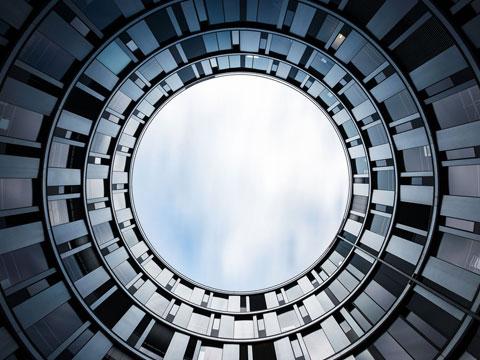 Kieferorthopädie in der Hamburger Welle Gebäude